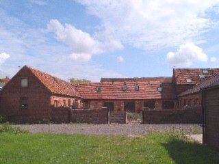 Warwick Self Catering Barn Sleeps up to 4 adults and 2 children
