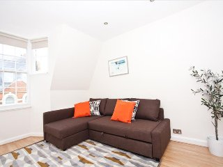 Premium 2Bed Flat - Oxford Circus: Serviced by Hostmaker