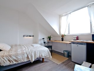 HEART OF SHOREDITCH - Studio with ensuite!, London