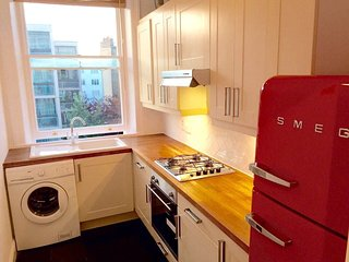 2 bed Period Townhouse in West Kensington, London