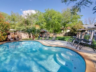 Historical charm & a modern renovation await. Dog-friendly, hot tub & pool!, Luckenbach