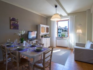 l'anfiteatro di paola. 4 bedrooms and 2 bathrooms. 8 people max.air cond. e wifi