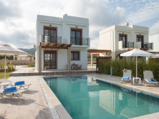 Luxury villas 100M from the beach!, Gennadi