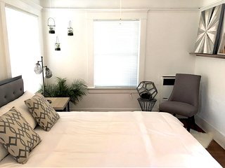 1BDR Suite 1 Block from Venice Boardwalk