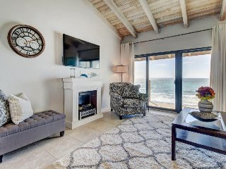 Oceanfront condo w/ shared pool & hot tub, direct beach access, & ocean views!