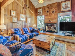 Rustic and bright lodging close to slopes with impeccable great views!