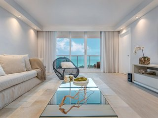 Roney Palace 1/2 Sleek Oceanfront Condo Unit 738