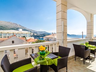 Apartment Bonaca - Two Bedroom Apartment with Balcony and Sea View