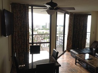 MERIDIAN 908: 1BR, 2 DOUBLE, OCEANVIEW IN THE HEART OF MB
