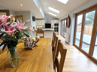 ★ Marram House - Luxury + Central Bamburgh + 3 x off street parking