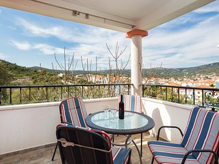 A1 modern Apt With Big Garden And Terrace With Sea View, 80m From Beach