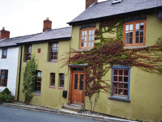 35984 House in Bishops Castle