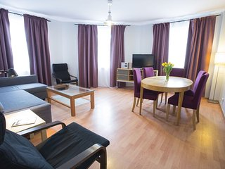 M6 apartment in Stare Miasto with WiFi & airconditioning.