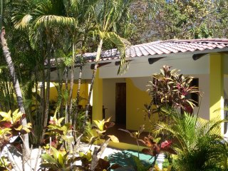 VILLA VERDES (V1) - 2 Bedrooms,  Lush Garden. 24-hr Security gated, Poolside