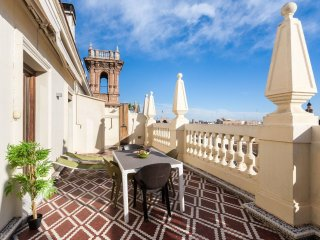 Penthouse Plaza Manises apartment in El Carmen with WiFi, air conditioning, priv