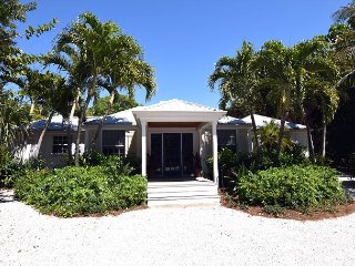 Captiva beach house with boat dock and easy beach access, isla de Captiva