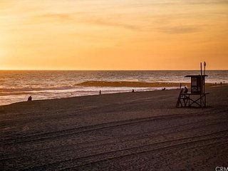SUMMER AVAILABLE,BOOK NOW- Family Property W/ Patio Just Steps From the Sand!, Newport Beach