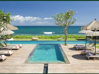 Mia Beach Villa