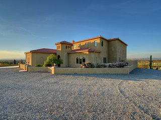 Bella Vista 360 - Private Stunning Foothills Mansion with Amazing 360 Views!!!