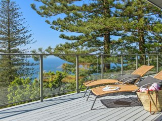 *** DOLPHIN BAY WHALE BEACH ***