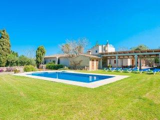SON PARERA DABAIX - villa in Muro for 6 people