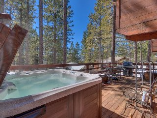 NEW LISTING - 3 BR in Dollar Point - Walk to Beach and Pool!, Tahoe City
