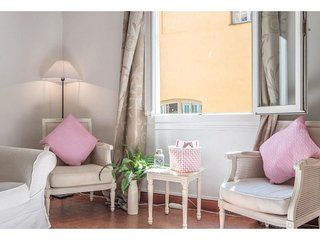 Veronica - Stylish sunlit Old Town apartment, Niza