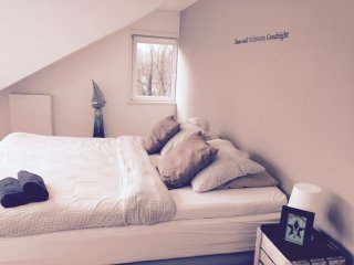 Short Stay Houses I Brand New Waterfront Apartment – Amsterdam area