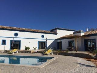 Magnifique villa de charme, typique algarve a 2 kms de la mer