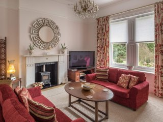Luxurious Park Side Apartment - The Carisbrooke, Ventnor