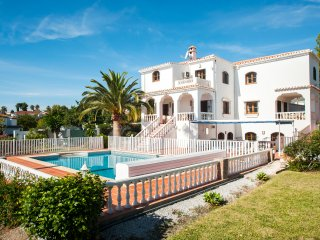 Las Fuentes - Spacious Private Villa, Nerja