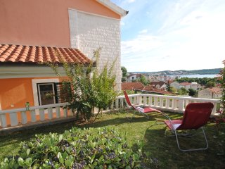 Modern Apt for 4 walking distance from Trogir