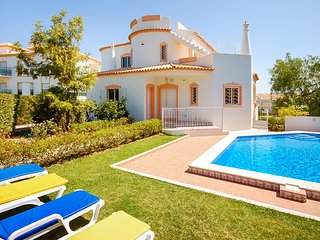 UP TO 45% OFF! LIS Villa w/ pool, games room, AC, free Wi-Fi, 300m to Gale beach