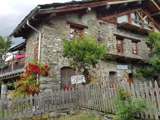 APPARTEMENT DANS FERME SAVOYARDE, Les Arcs