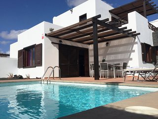 El Partidor / 3-bedroom villa with private pool & BBQ. Family & pet friendly.