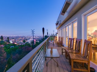 Spacious Sunset View Villa with Great Balcony Views of Los Angeles