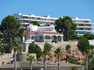 Appartement 75 M2 renove et climatise avec terrase 40M2 vue mer exeptionnelle.