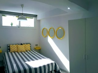 Beautifully Decorated Bedroom in Luxury Villa with Breakfast included  and Swimming Pool