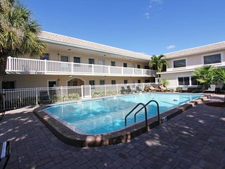 Waves #1 | Functional, large condo, only short walk to beach, Saint Pete Beach
