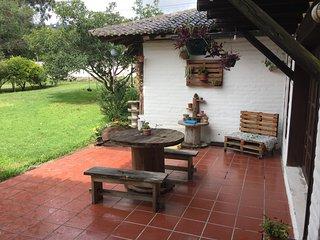 cómodo cuarto de arriendo, Cumbayá