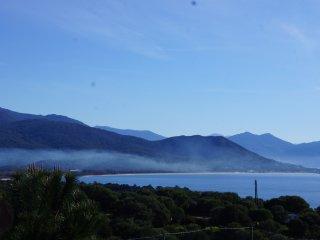 Villa Standing neuve, vue sur le Golfe du Valinco et les montagnes. 350m Plage