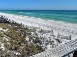 Gulf Front Bungalow! Relax 30A Style! Steps from Porch to Sugar Sand Beach!
