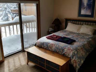 Master Bedroom in Large 4bdr East Vail Condo