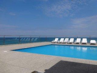 Son apartamentos para capacidad de 6 personas, con vista al mar,amoblados.