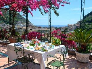 Io con mia moglie abbiamo deciso di gestire la nostra struttura in Amalfi coast