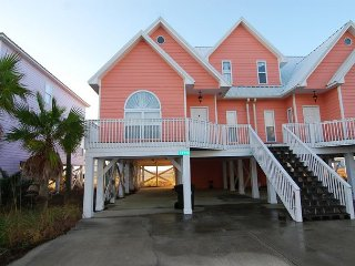 Beautiful Beach Home with great Gulf View. New Summer & Fall prices reduced!