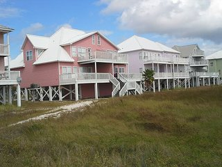 Beautiful and Spacious Beach Home with Great Gulf Views.  Now sleeps 12!