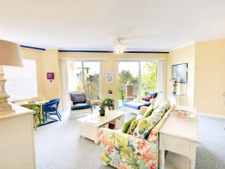 Inn at Blue Mountain 223-3BR on 30A in BeachFT Bldg- Free Bike Rental