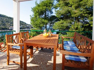 Holiday Home Sunset - Two Bedroom Apartment with Terrace and Sea View, Blato