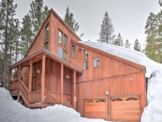 New! 4BR Truckee Golf Course Home w/ Hot Tub!
